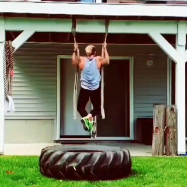 Strong circuit courtesy of@lucky_sherri_13 🔥🔥🔥  @lucky_sherri_13Thanks for the motivation, Sherri! Awesome backyard gym setup!! 💪🏼💪🏼