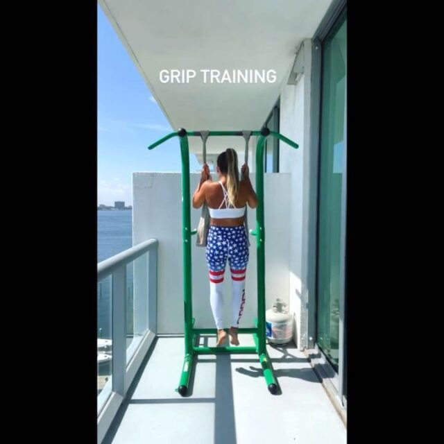 Awesome upper-body blast by@irontwins_fitness💪🏼🚀  @irontwins_fitnessNice gym with a view and thanks for sharing all the great training!!