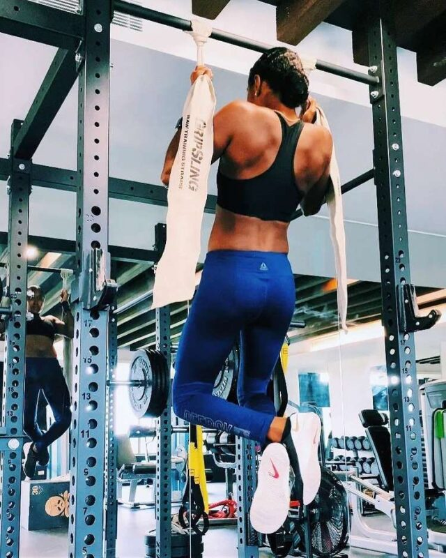 """""""No matter what, pull yourself up.""""  Strong pull-ups for targeting grip strength by @smugzfit 🔥🔥🔥"""